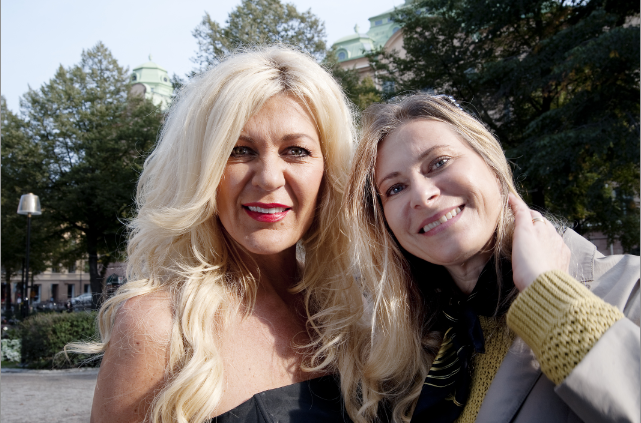 Maria Montazami och jag i en intervju för Aftonbladet Söndag förra året.