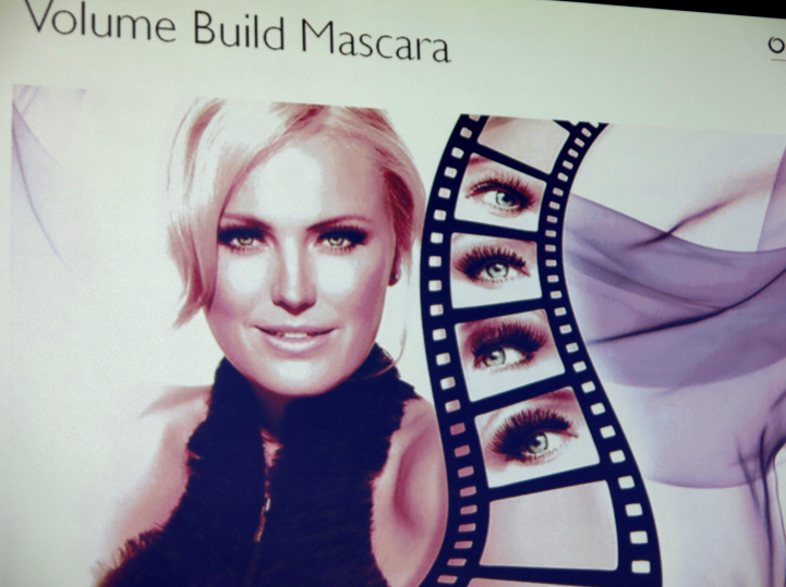 Laila Bagge? Nej, Malin Åkerman frontar Oriflames nysläppta Volume Build Mascara