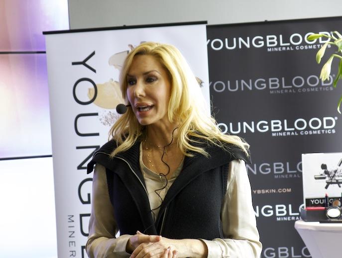 Pauline Youngblood presenterar sina nyheter i Sverige 2013