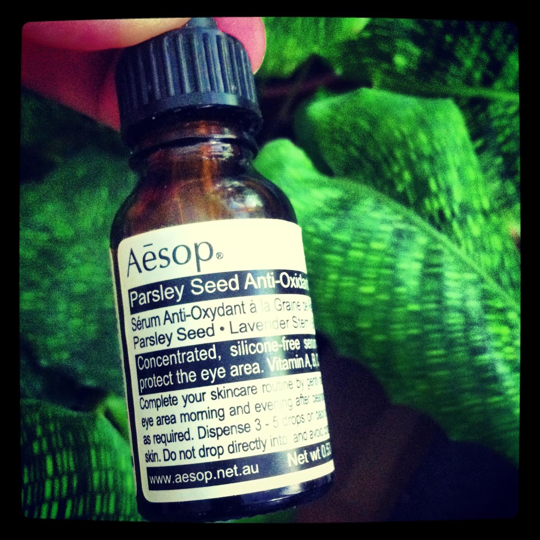 Aesop har en persoljeolja-serie som är super mot torr hud