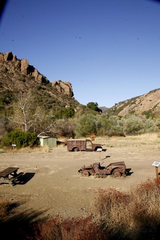 Tröttnar du bpå buzzen nere vid stranden så kan du ta dig upp till Malibu Creek State Park där de spelade in Mash