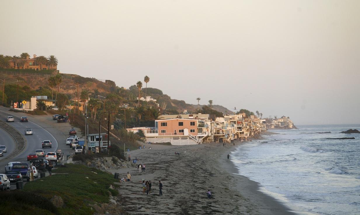 I Malibu kan du softa längs med stränderna och fika på mysiga restauranger