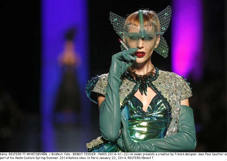 Franska Jean Paul Gaultier gillar gröna drakar. Foto: Reuters