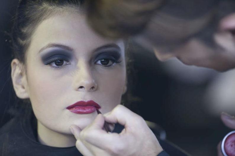 Vid senaste modeveckan i Bogota, Colombia var det också fokus på läpparna. Foto: Scanpix