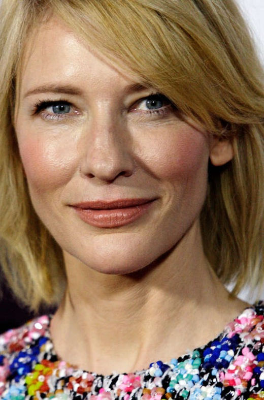 Cate Blanchets transparenta hudton kommer bäst till sin rätt med en ljus hårfärg. Källa Getty Images