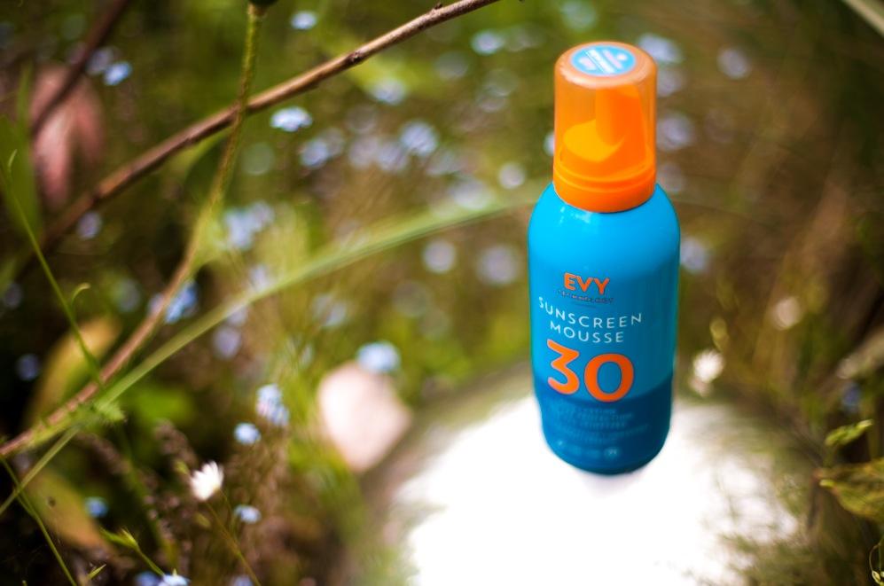 Evy är ett fysikaliskt organiskt solskydd utvecklat i Sverige