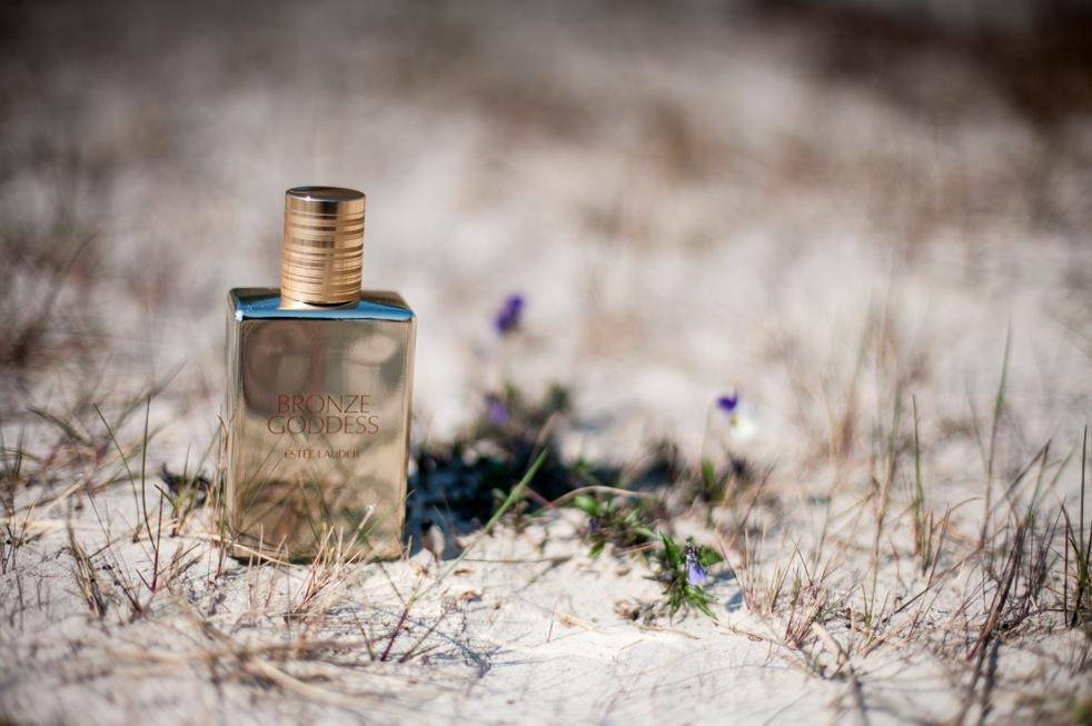 Estee Lauder släpper varje sommar en doft. I år är det en favorit i repris. Estee Lauder Bronze Goddess summer 2014