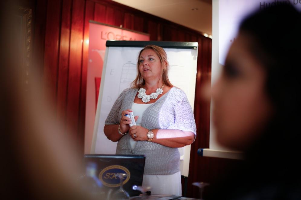 Annica Joensuu är ordförande i SHR (Sveriges Hudterapeuters Riksorganisation