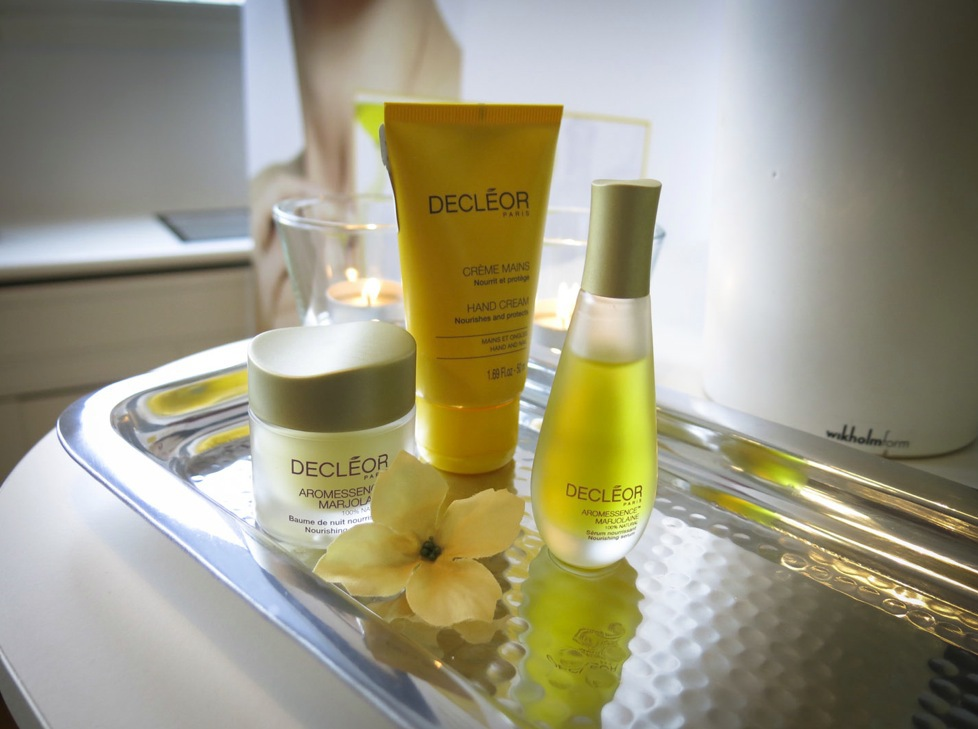 Sedan 1974 har Decleor byggt sina aromaterapibehandlingar. I år lanserade Decleor en nattiljébehandlin med Marjoeolja.