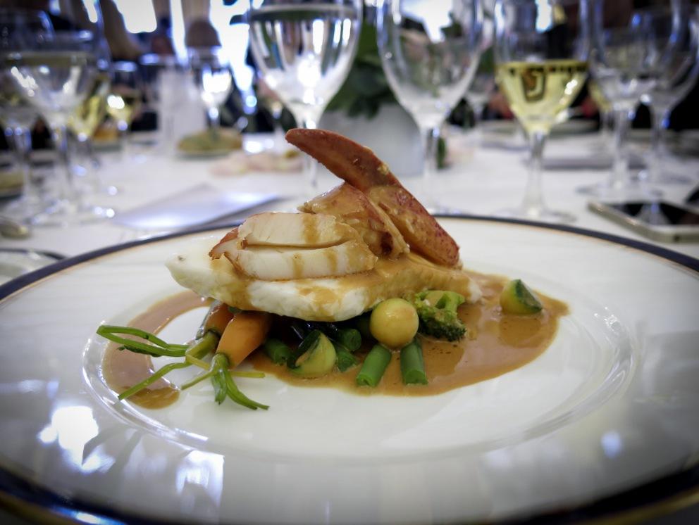 Sparris, fisk och franska ostar stod på menyn