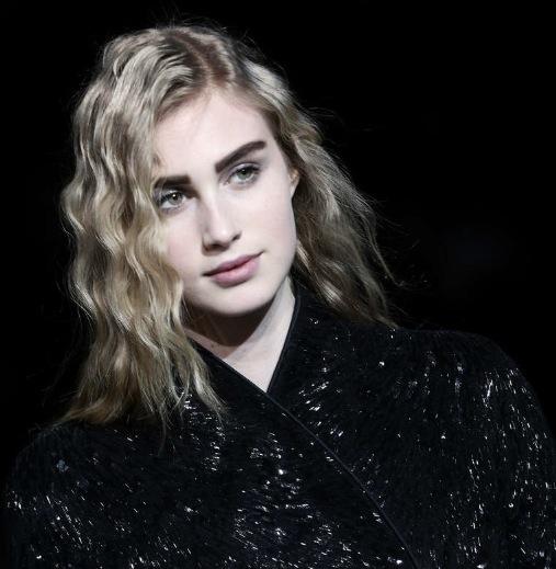 Linfröolja passar tunna skandinaviska hårtyper. Foto: Getty Images