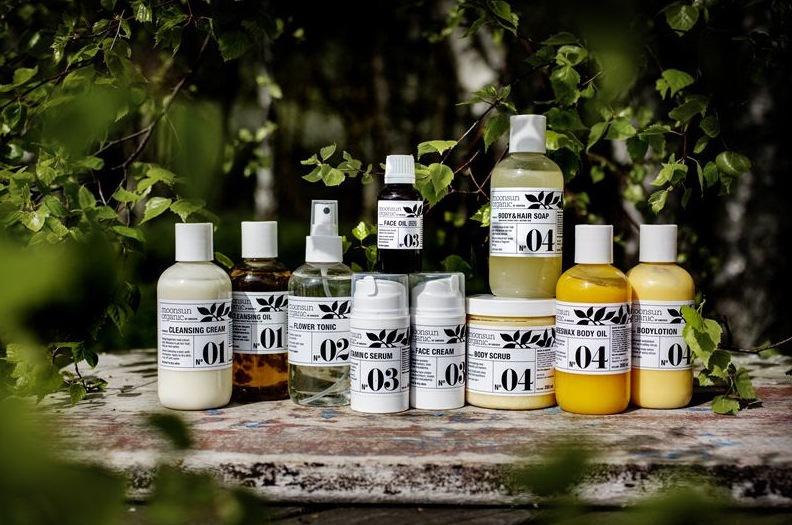 Moonsun startade 2007 och tillverkar sina produkter i Stockholm.