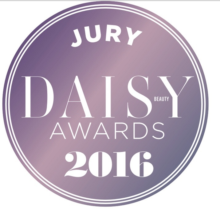 Jag sitter i tre olika jurygrupper som oberoende journalist. NOC Sweden, Daisy Beauty och Swedish Beauty and Cosmetics Awards jury.