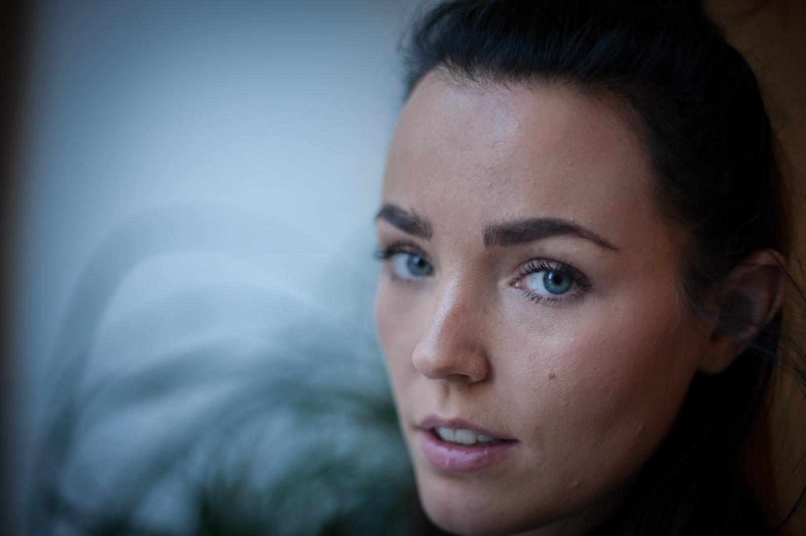 """Miriam Bryant """"årets look"""" Ellegalan 2016 gillar sotade ögon och tatueringar. Foto: Agneta Elmegård"""