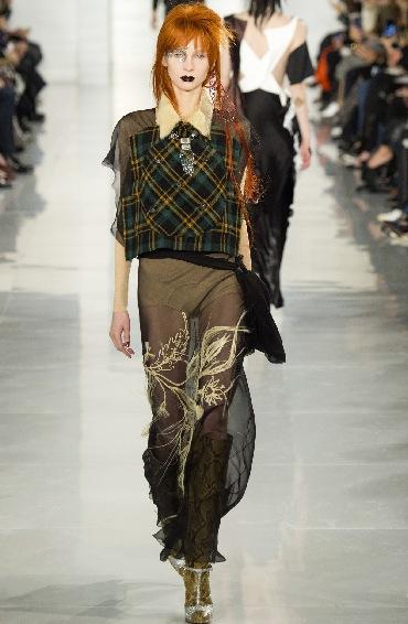 Maison Margiela körde också en hyllning på catwalken under franska modeveckan i Paris.