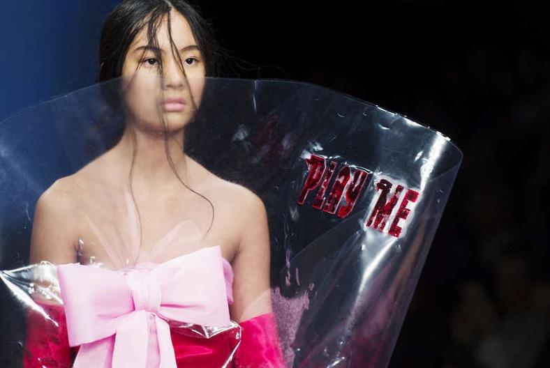 Fashion Week Stockholms höjdpunkter är den sprudlande entusiasmen hos eleverna vid Borås Textilhögskola