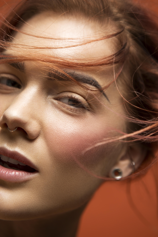 Makeupartisten Linda Hallberg släpper äntligen sitt eget makeupmärke! LH Cosmetics
