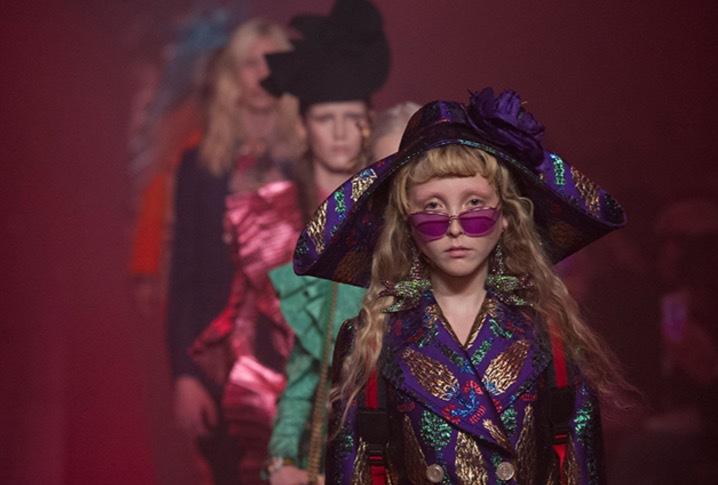 Guccis visning spring 17 i Milano där Helen Reavy gjorde modellernas hår. Foto: Getty