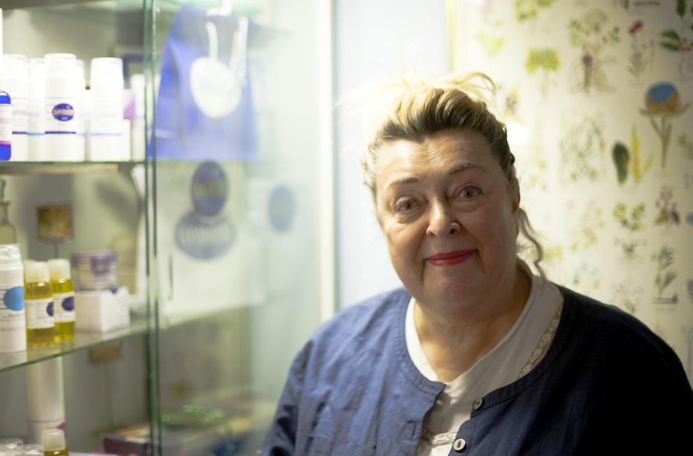 Lovisa svärd är hudhygienist och hon startade Loviderm för att hon ville fylla ett hål på hudvårdsmarknaden.