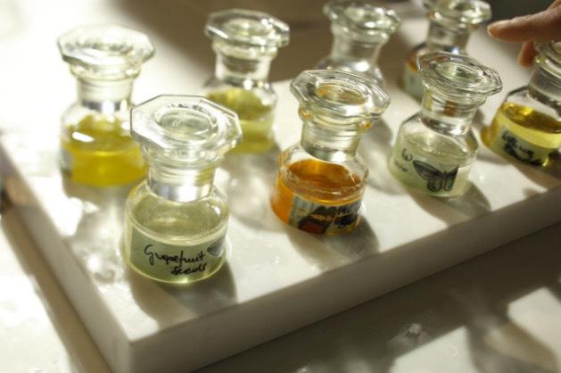 Diskussion om ursprung och ingredienser har blivit allt mer central inom den kosmetiska industrin.