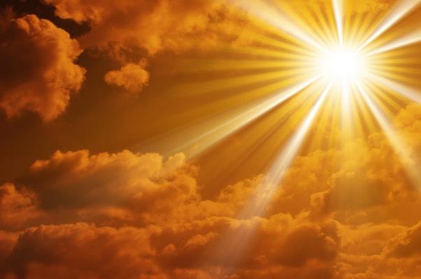 Sol är livsviktig för hudens D-vitaminproduktion men också en kollagenförstörare av rang