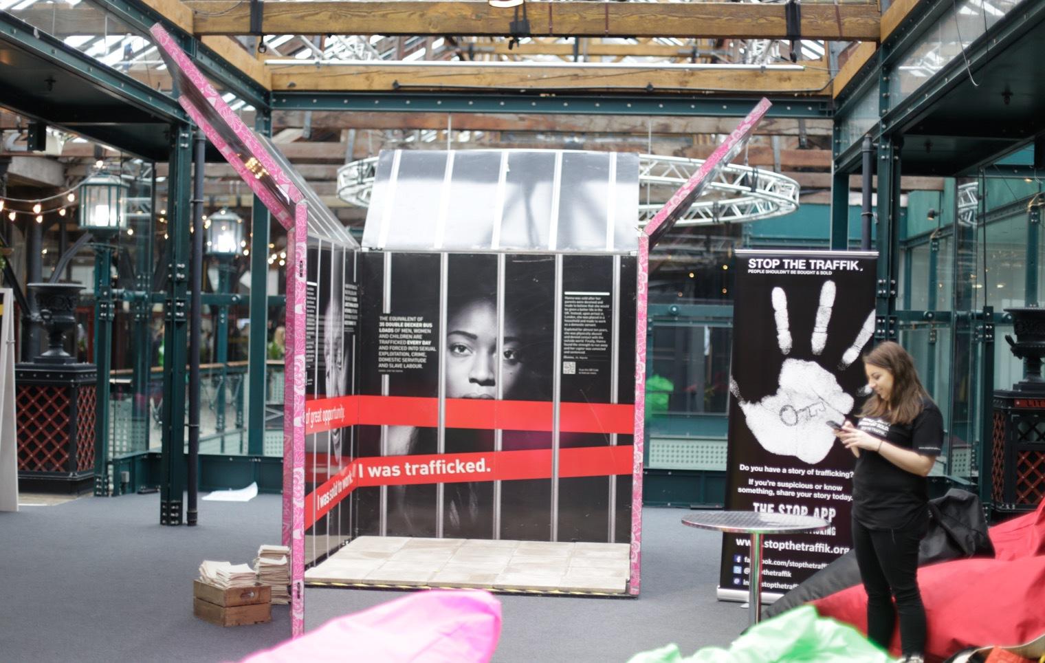 Flera djur- och människorättsorganisationer från hela världen hade utstälninggar på andra våningen. Många paviljonger var jobbisga att besöka, men deras viktiga arbete är inspirerande.