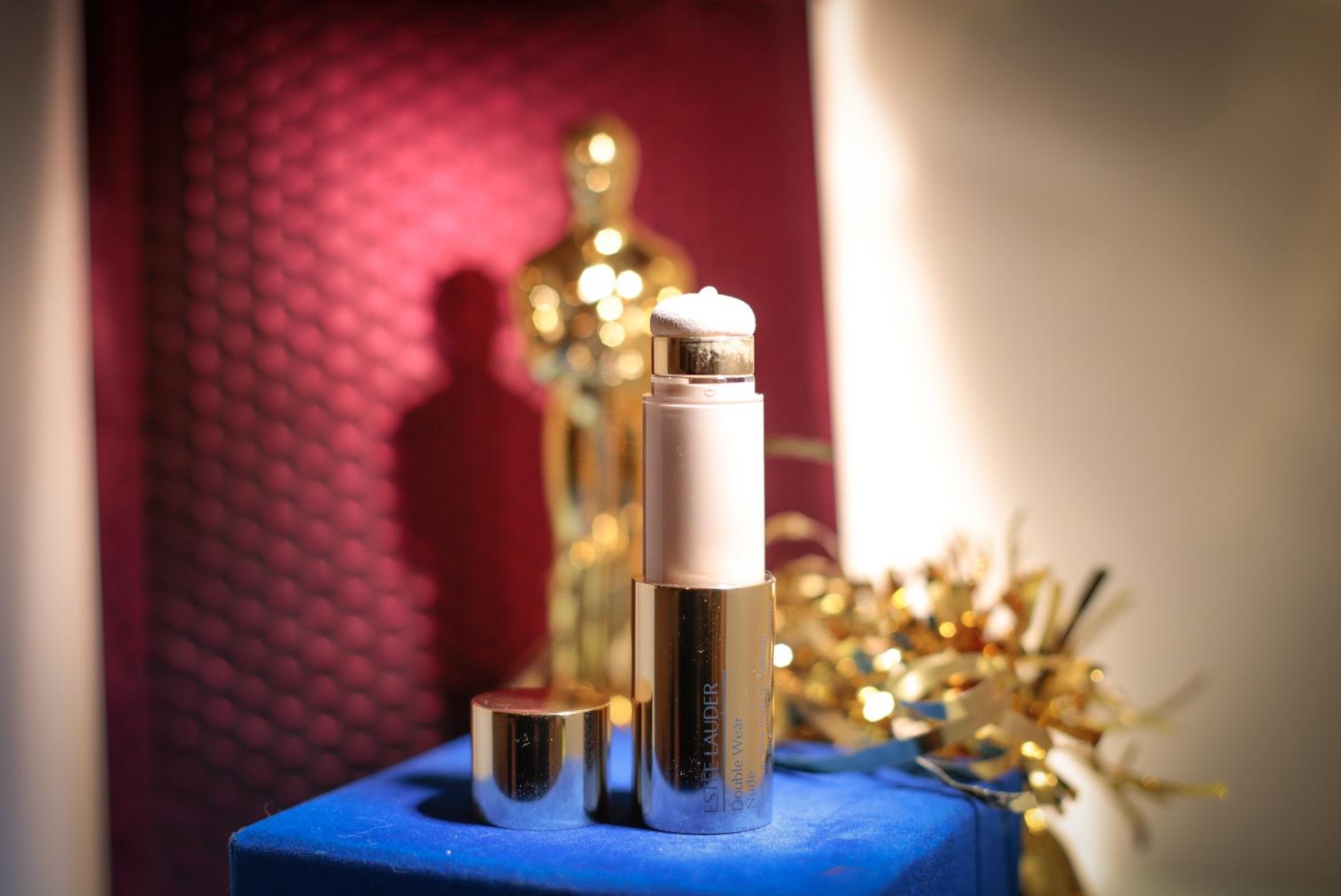 Bra färger i smart förpackning, Estée Lauder har lyckats skapa en modern foundation
