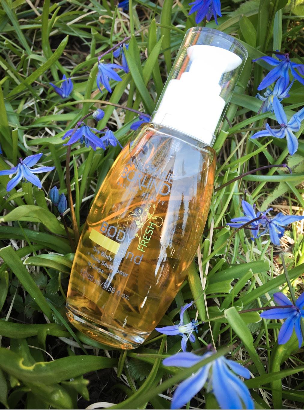 MIn nya favorit är lindoljan för kroppen som doftra ljuvligt och går in i huden omedelbart. Mums!