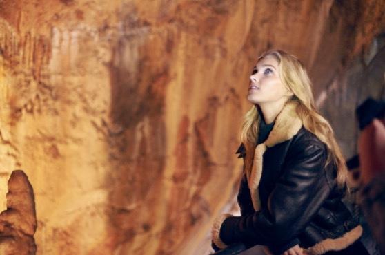 Svenska Victoria Secret modellen Elsa Hosk fick åka till Pyreneerna och titta på planktion