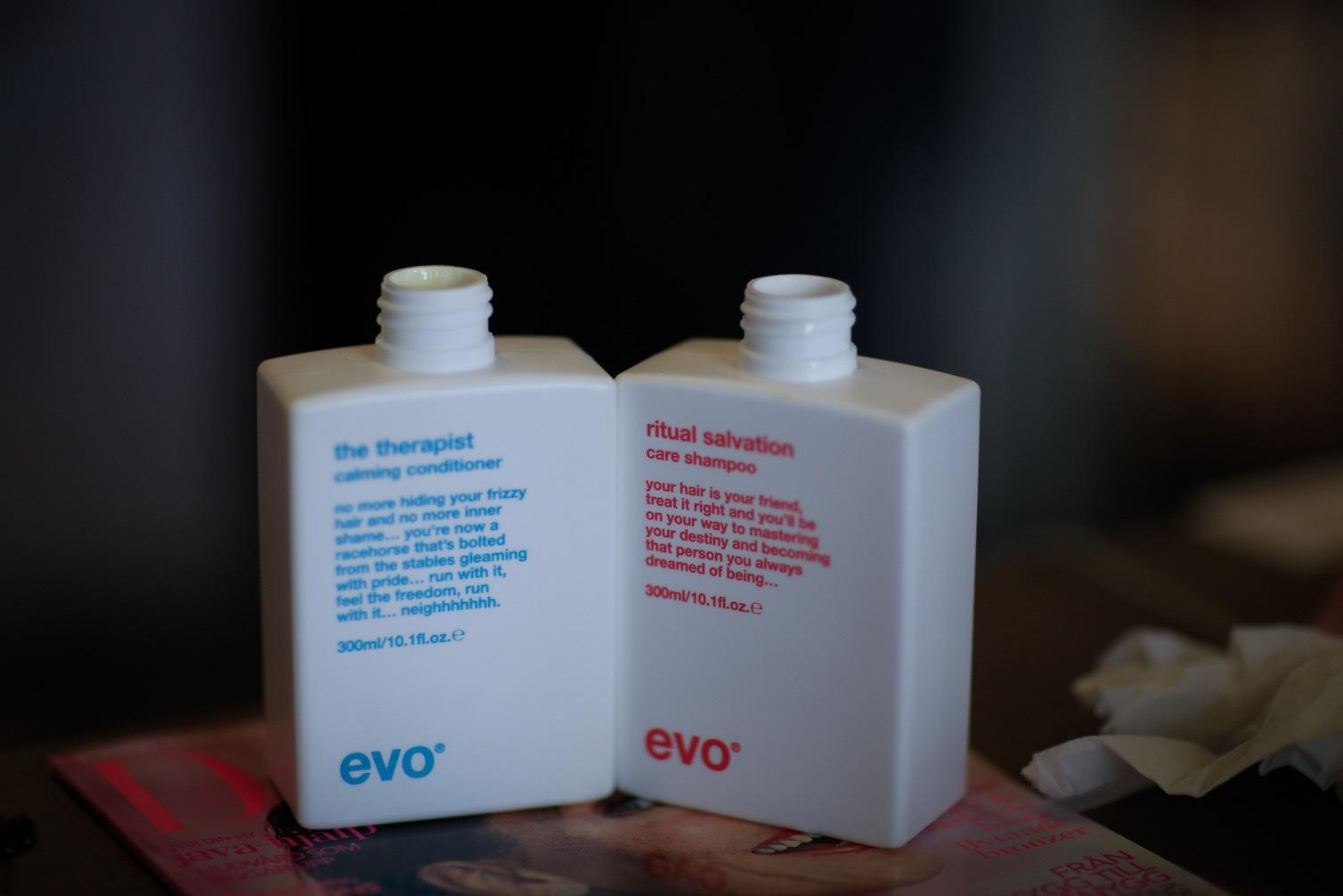 EVO gillar att driva med normer och har korta statementtexter på förpackningarna