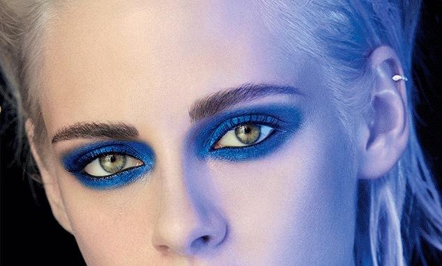 Chanel gör en härlig retrovariant på den turkåsa ögonmakeupen. Sotning a´la 2017...