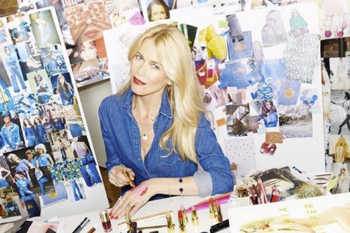 Supermodellen Claudia Fischer har signat för det tyska märket Art Deco