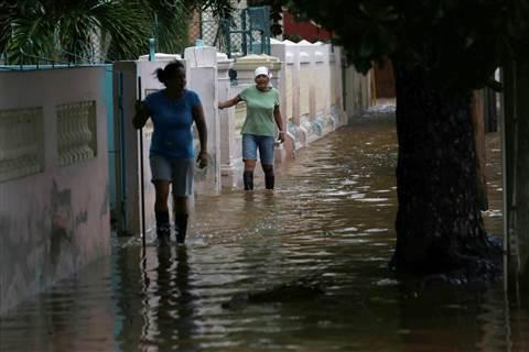 Bild från  NBC News. Drabbade i Florida av  orkanen Irma