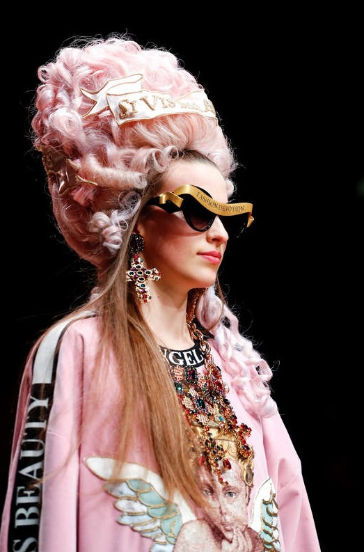 Foto: Reuters, Dolce & Gabbana flörtade med Marie Anoinette under Autumn/Winter 2018 women's collection . Milan Fashion Week i Milano