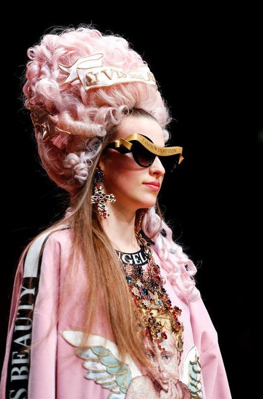 Foto: Reuters, Dolce & Gabbana flörtade med Marie Anoinette under Autumn/Winter 2018 women's collection . Milan Fashion Week i Milano