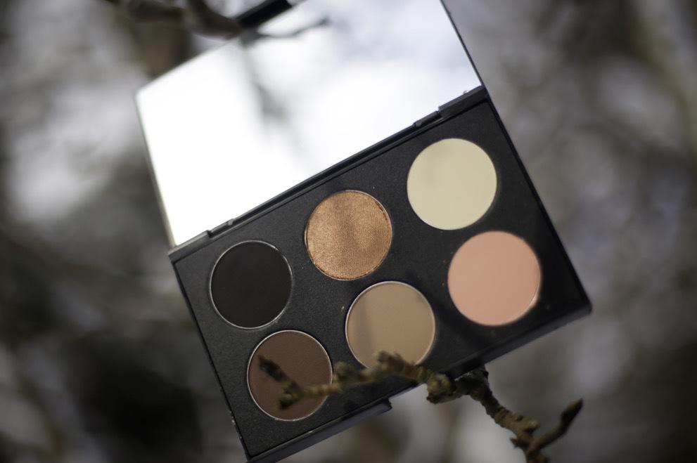 Färg gör fina paletter i massor av färgkombinationer och de har starka pigment
