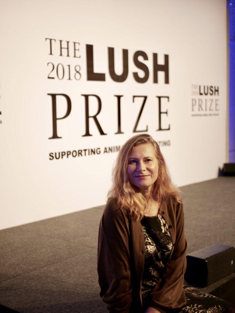 Agneta Elmegård var inbjuden till Berlin för att närvara vid årets Luxh Prize Awards i Berlin där forskares arbete står i folkusför att minska djurens lidande inom kosmetikaindustrin