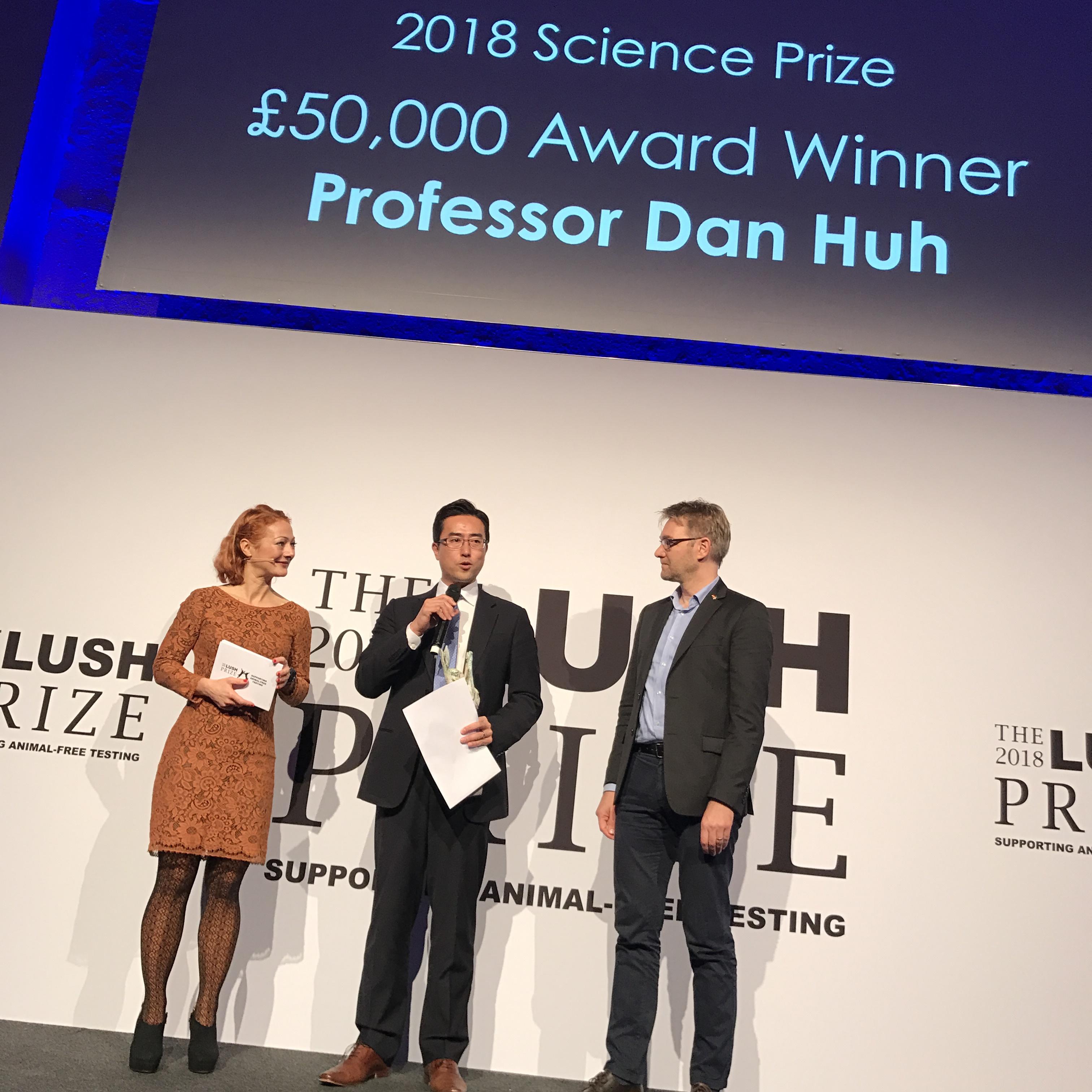 Professor Dan Huh från Pennsylvania var huvudpersonen på Lush Prize Awards i Berlin