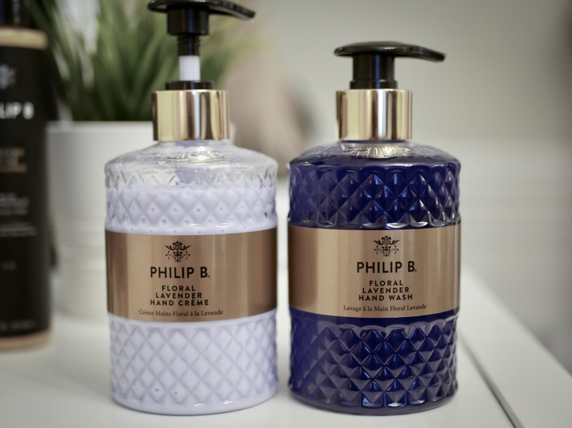 Philip B har utökat hårvårdsserien med botanisk hudvård.